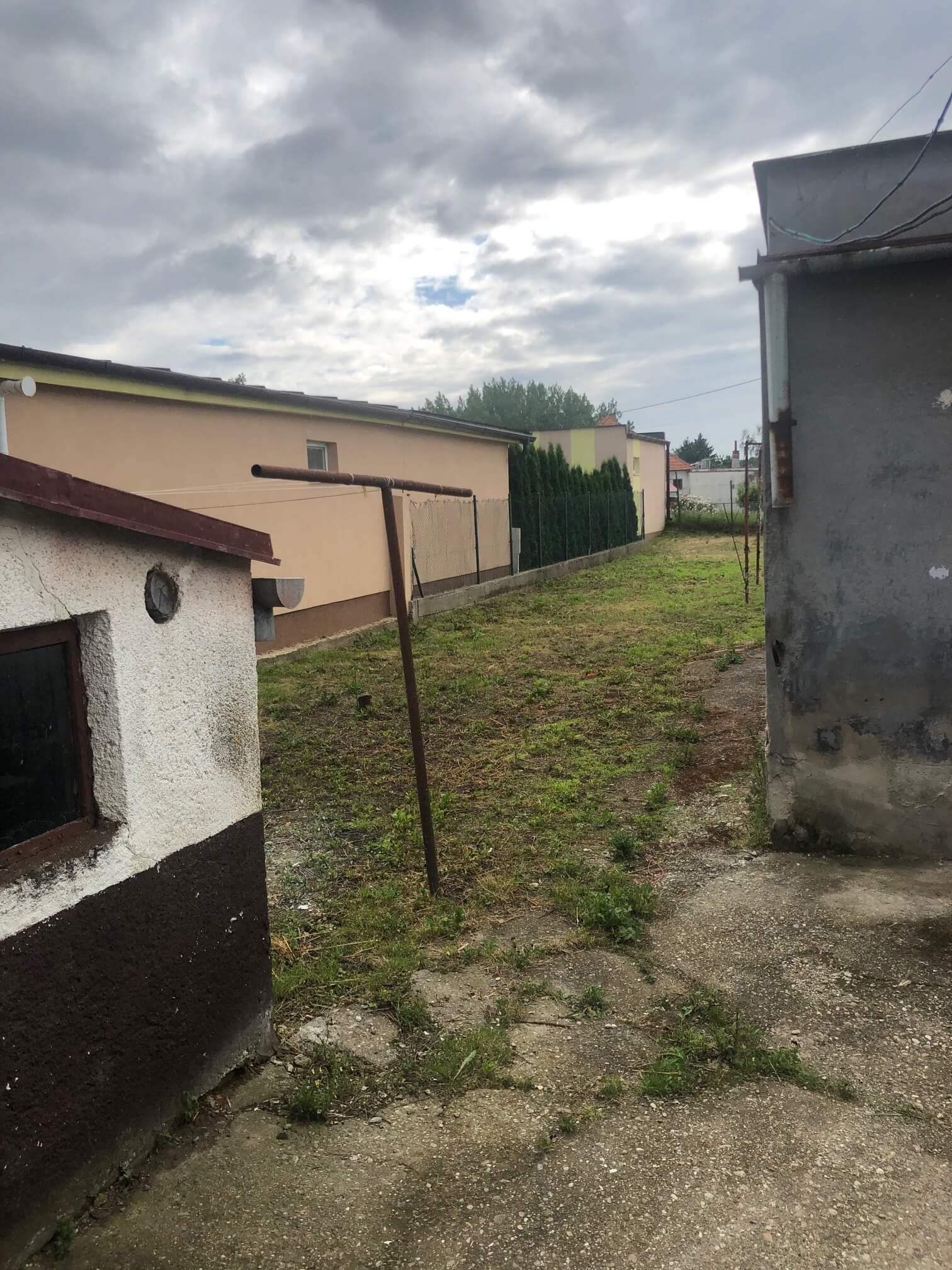 Predané: Pôvodný 4 izbový Rodinný dom v Šoporni, úžitková 96m2 plus 96m2 povala, pozemok 550m2-17
