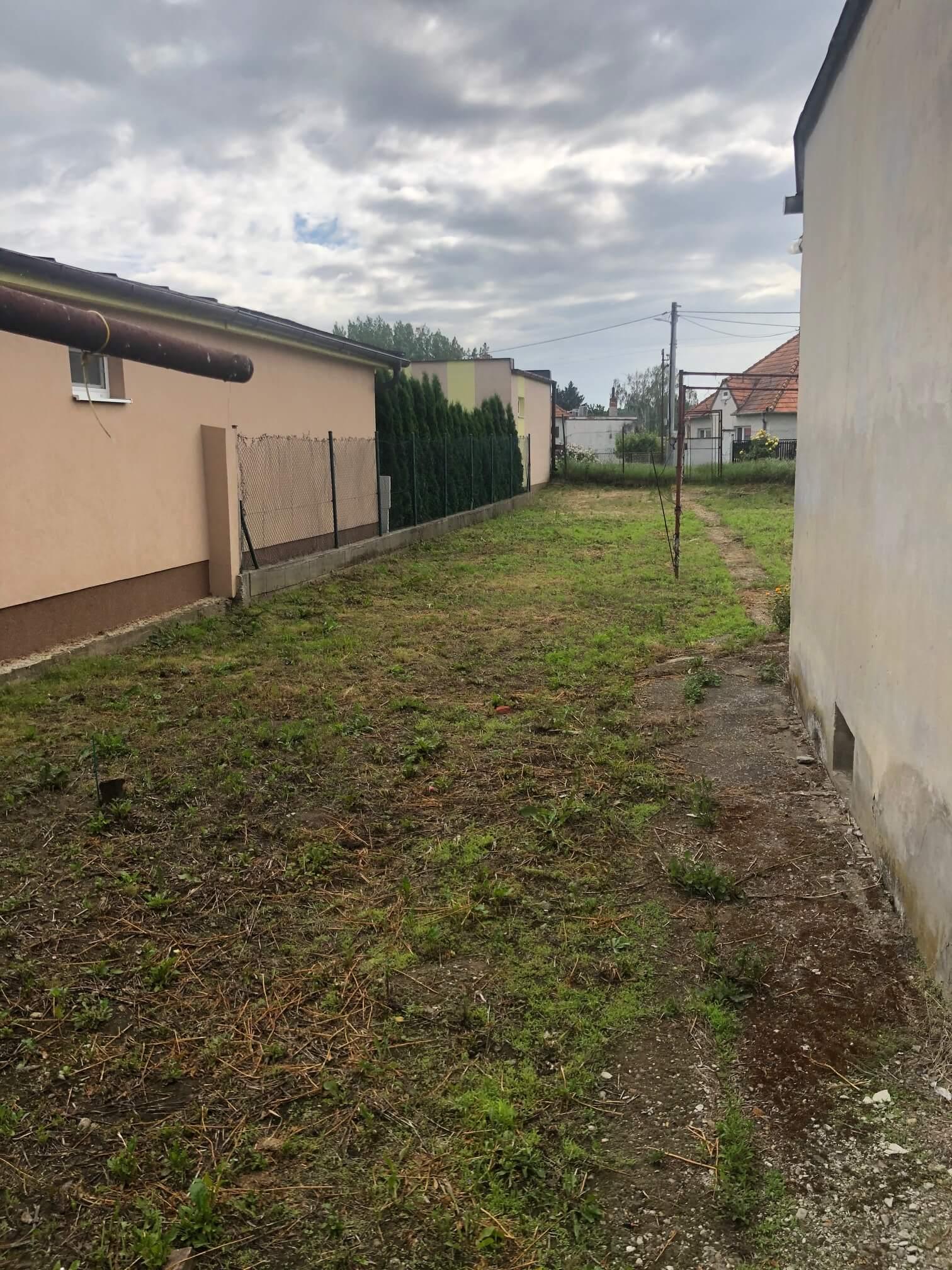 Predané: Pôvodný 4 izbový Rodinný dom v Šoporni, úžitková 96m2 plus 96m2 povala, pozemok 550m2-6