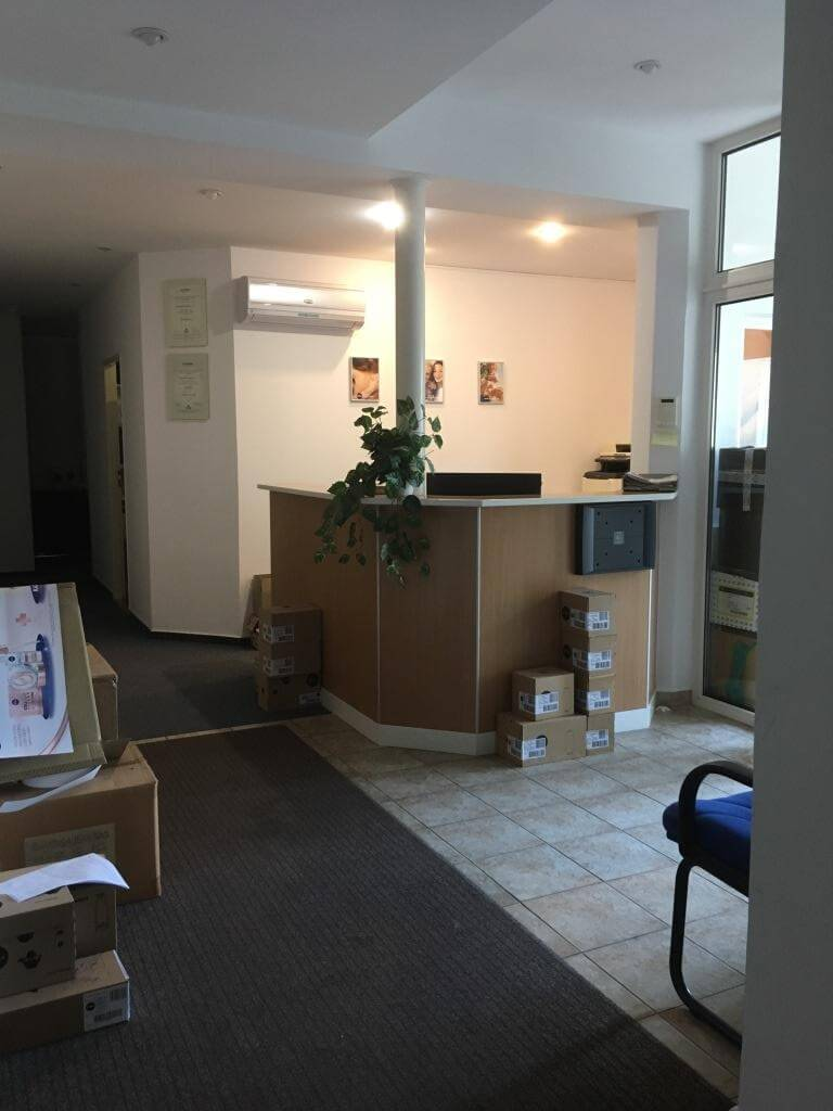 Troj podlažná budova s 10 kanceláriami, Riznerova ulica v Bratislave, nad hradom, úžitková 610m2-9