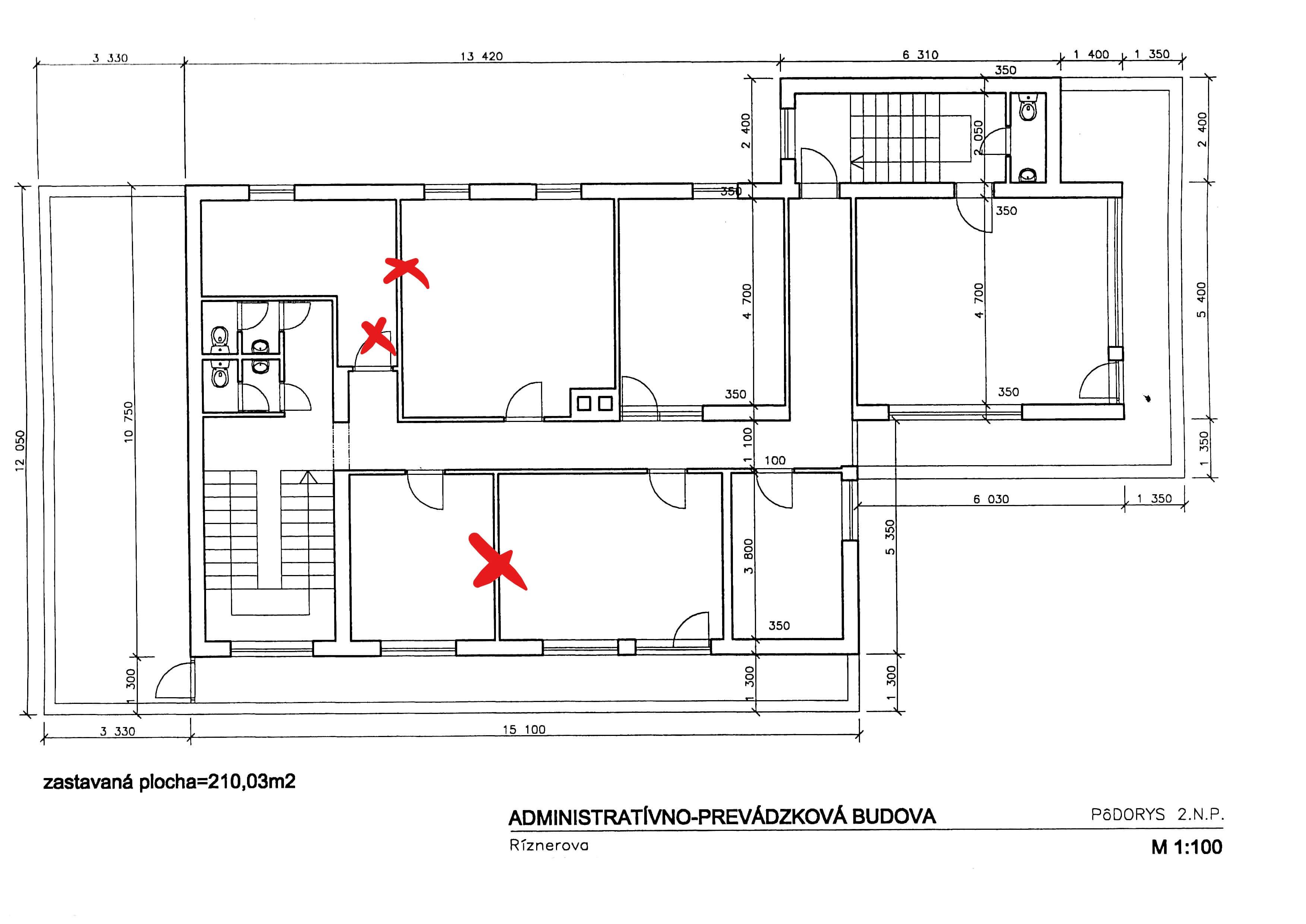 Troj podlažná budova s 10 kanceláriami, Riznerova ulica v Bratislave, nad hradom, úžitková 610m2-7