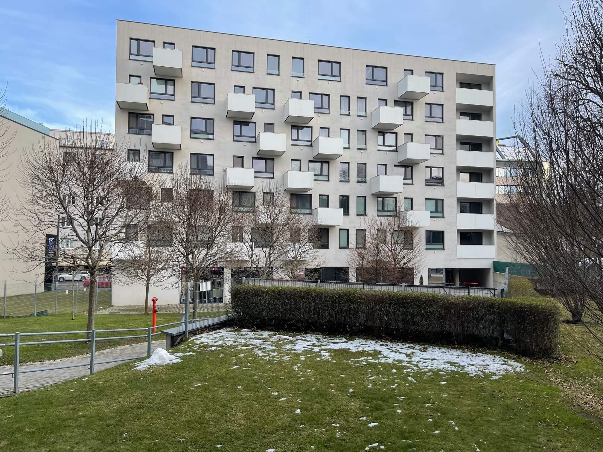 Exkluzívne na predaj 1 izbový byt, novostavba v  centre, Radlinského 45, úžitková plocha  32,35 m2-2