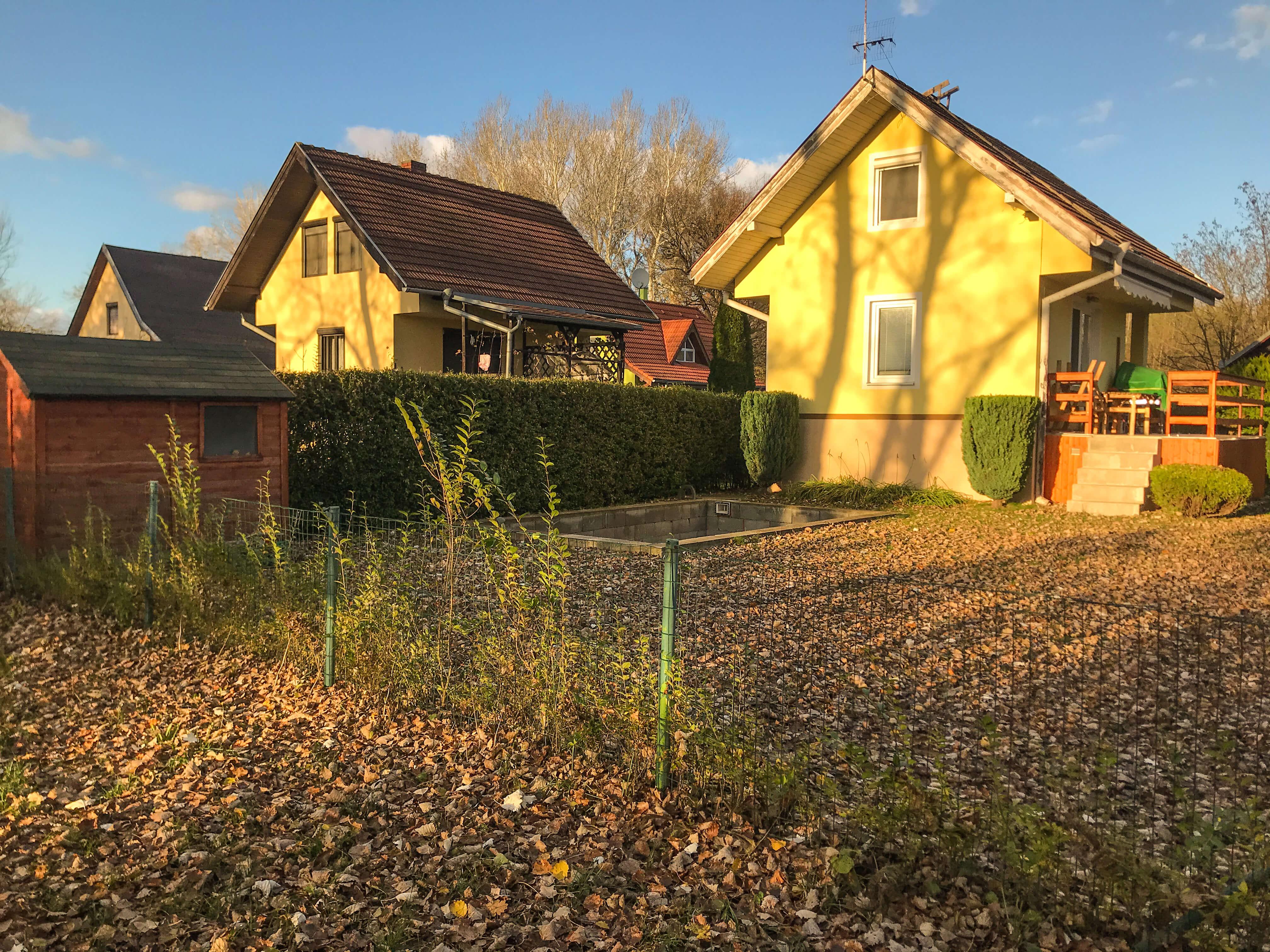 Predané: Exkluzívne 3 izbová chata o výmere 70m2 s 300m2 pozemkom, 2 podložná, v Gabčíkove pri hrádzi, kompe-47