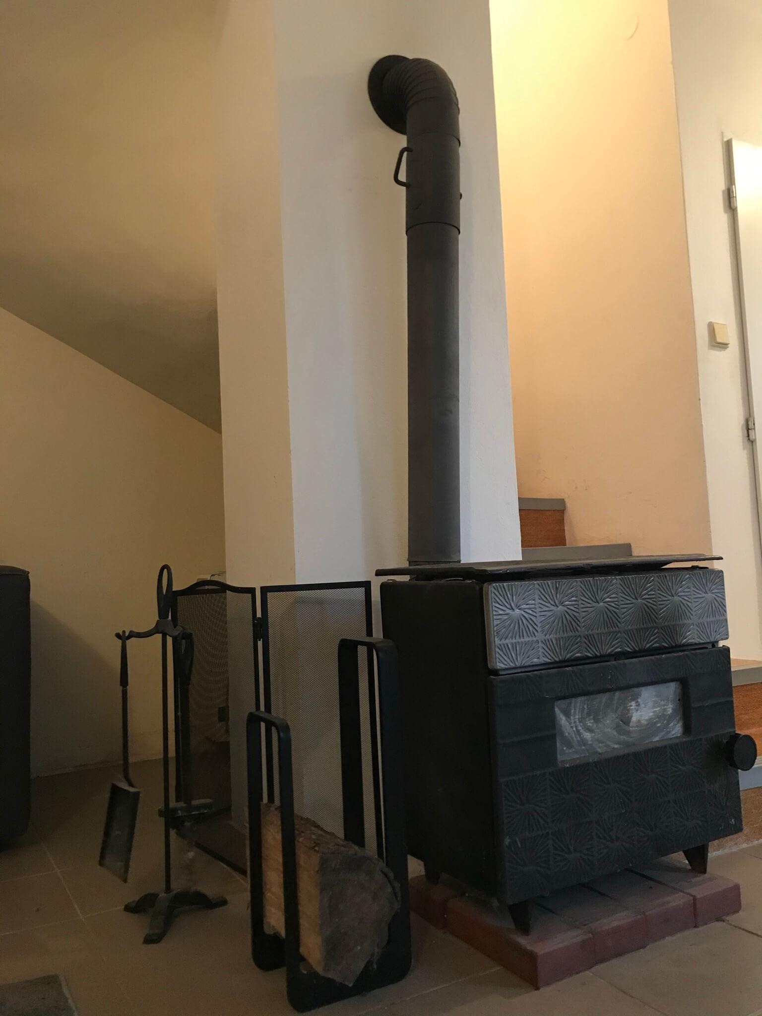 Predané: Exkluzívne 3 izbová chata o výmere 70m2 s 300m2 pozemkom, 2 podložná, v Gabčíkove pri hrádzi, kompe-22