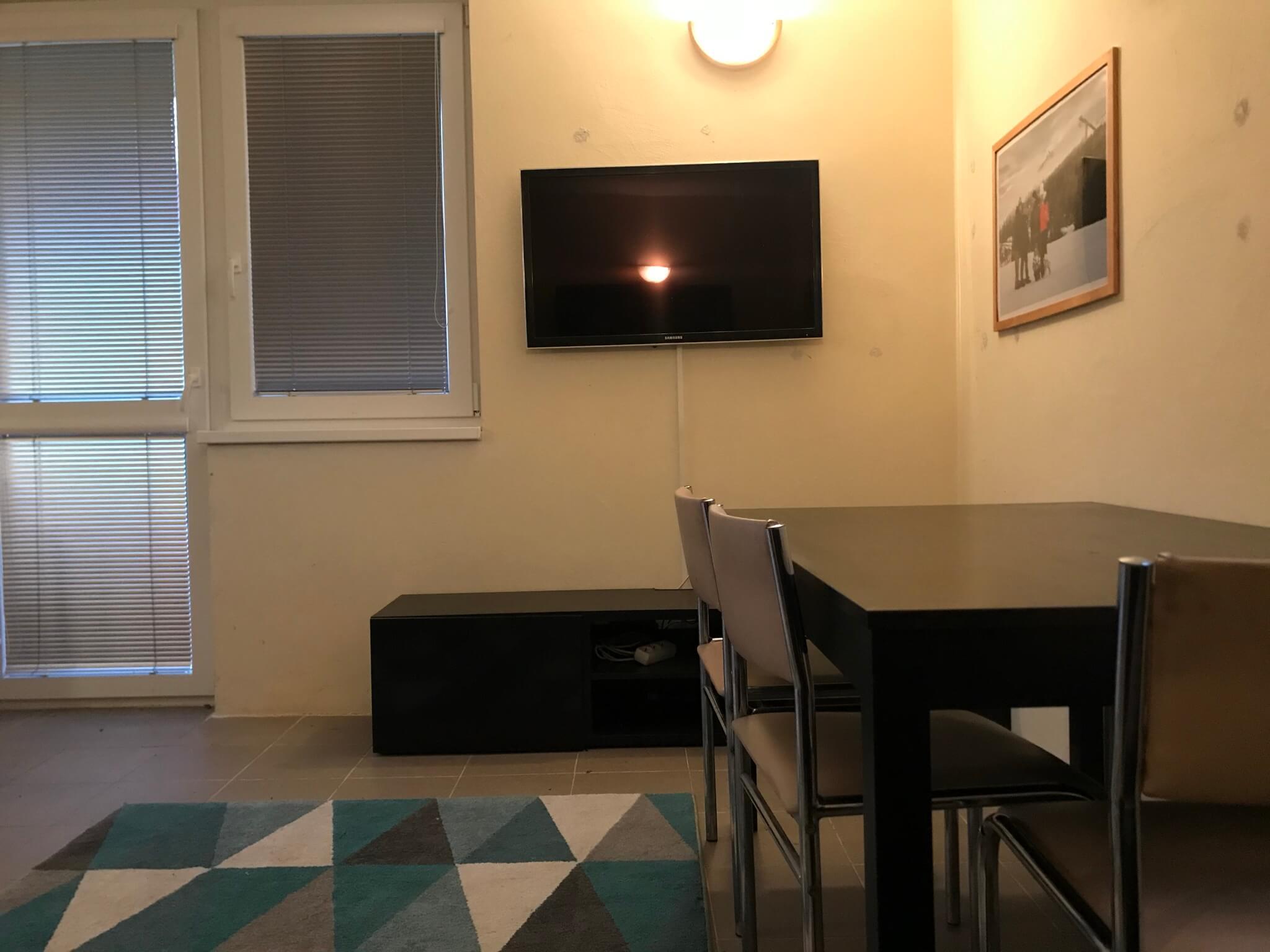 Predané: Exkluzívne 3 izbová chata o výmere 70m2 s 300m2 pozemkom, 2 podložná, v Gabčíkove pri hrádzi, kompe-17