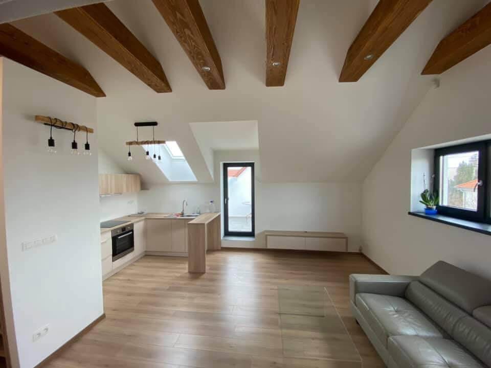 Na predaj novostavba, 2 izbový byt v Malackách, Kukučínová ulica,60m2, terasa 30m2, 2x parkovacie miesto-4