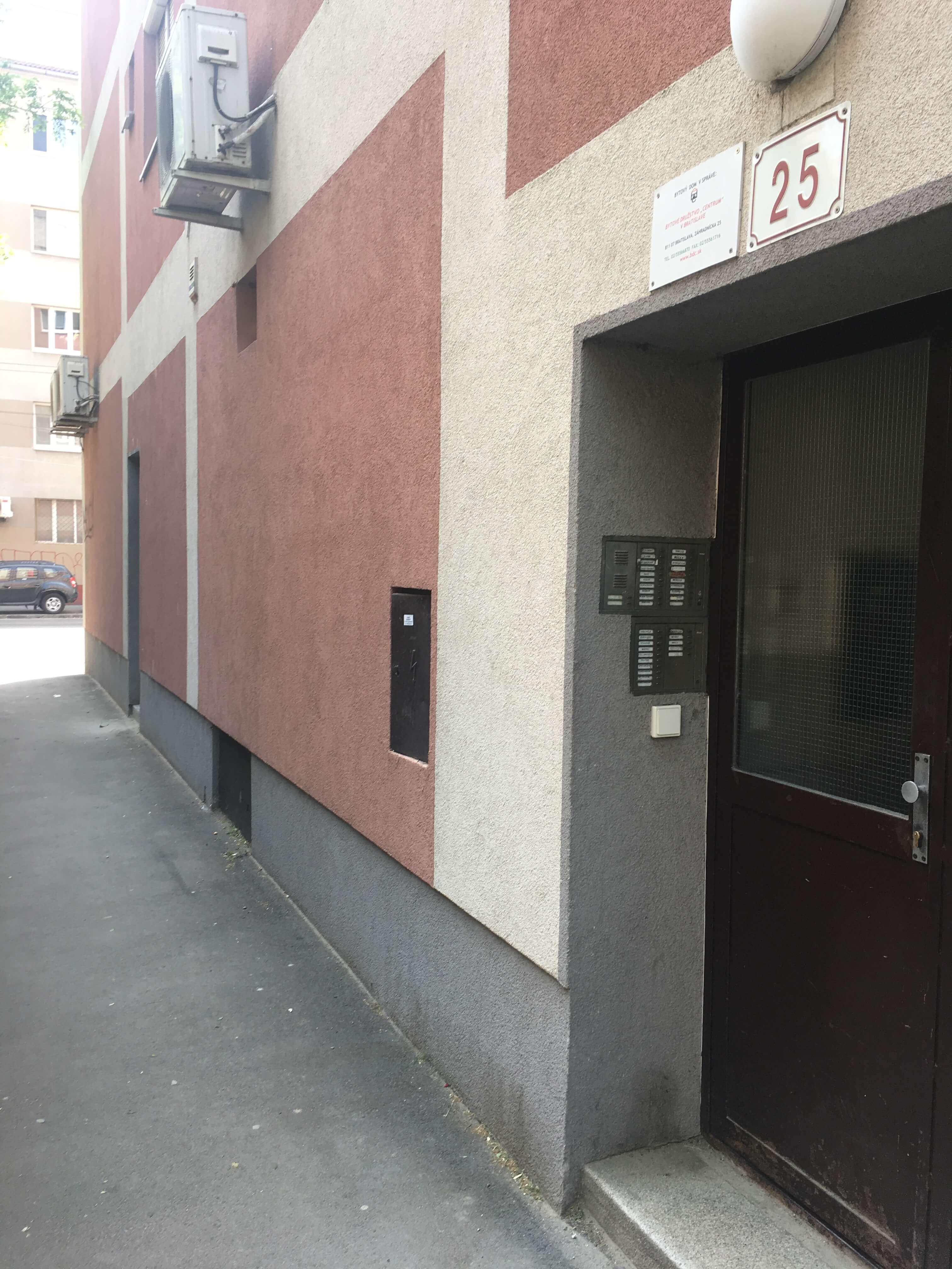 Prenajaté: Exkluzívne na prenájom 1 Izbový byt, 43 m2, pavlač 7 m2, Šancová 25, Staré mesto-9