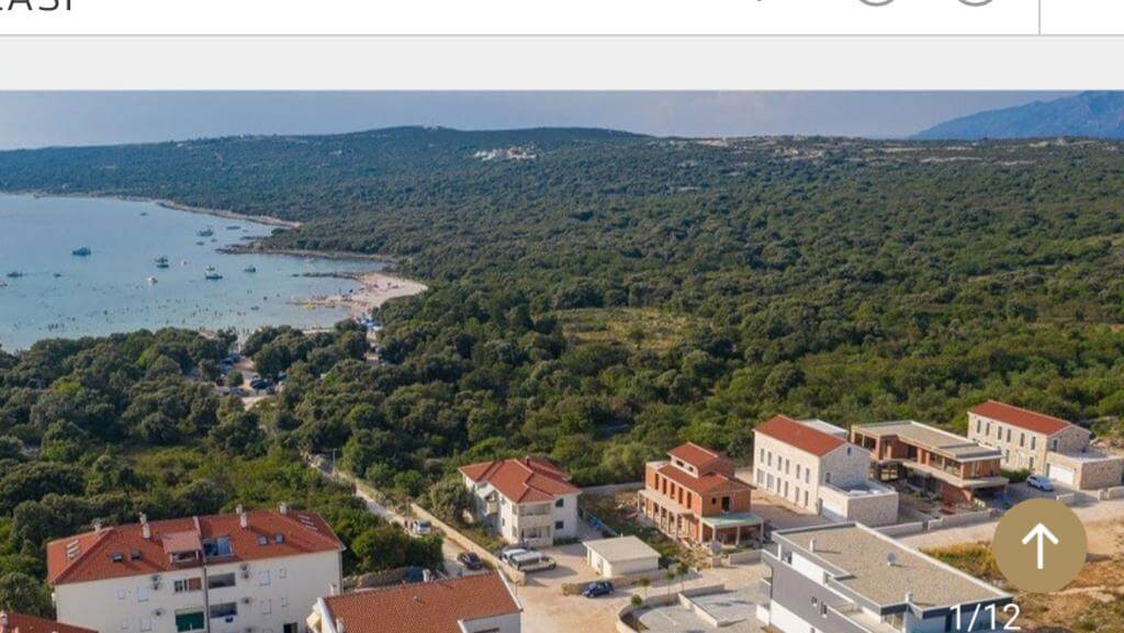 Veľký rozostavaný rodinný dom, 3NP spolu 355,13m2,pozemok 650m2,Novalja, na ostrove Pag, Chorvátsko-1