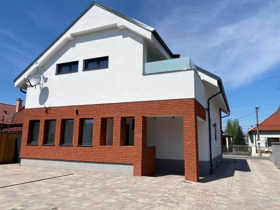 Na prenájom úplne nový 2 izbový byt v Malackách, Kukučínová,60m2, predzáhradka 18m2, 2x parkovonie-5