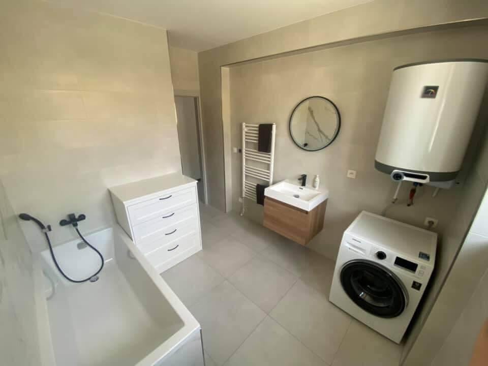 Na prenájom úplne nový 2 izbový byt v Malackách, Kukučínová,60m2, predzáhradka 18m2, 2x parkovonie-4