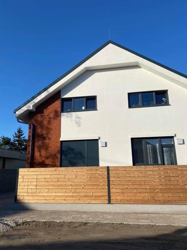 Na prenájom úplne nový 2 izbový byt v Malackách, Kukučínová,60m2, predzáhradka 18m2, 2x parkovonie-6