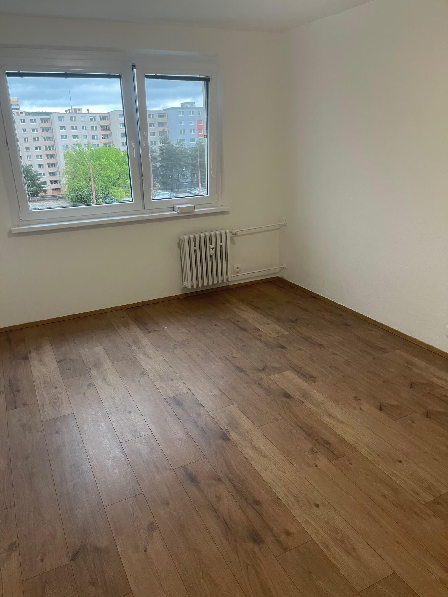 Exkluzívne na predaj zrekonštruovaný 2 izbový byt, 48m2, Fedáková 12, Dúbravka, pri OC Saratov-11