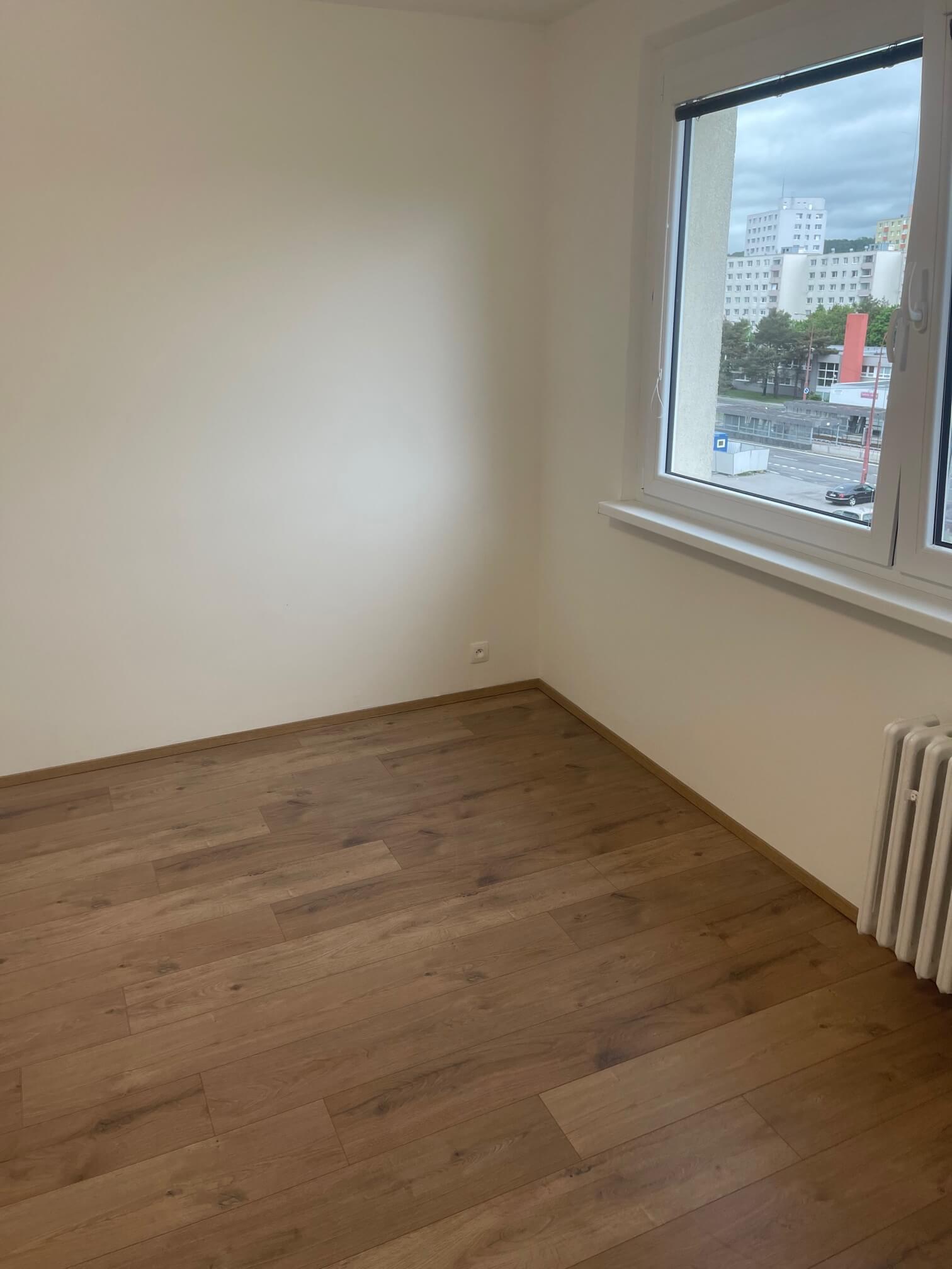 Exkluzívne na predaj zrekonštruovaný 2 izbový byt, 48m2, Fedáková 12, Dúbravka, pri OC Saratov-9