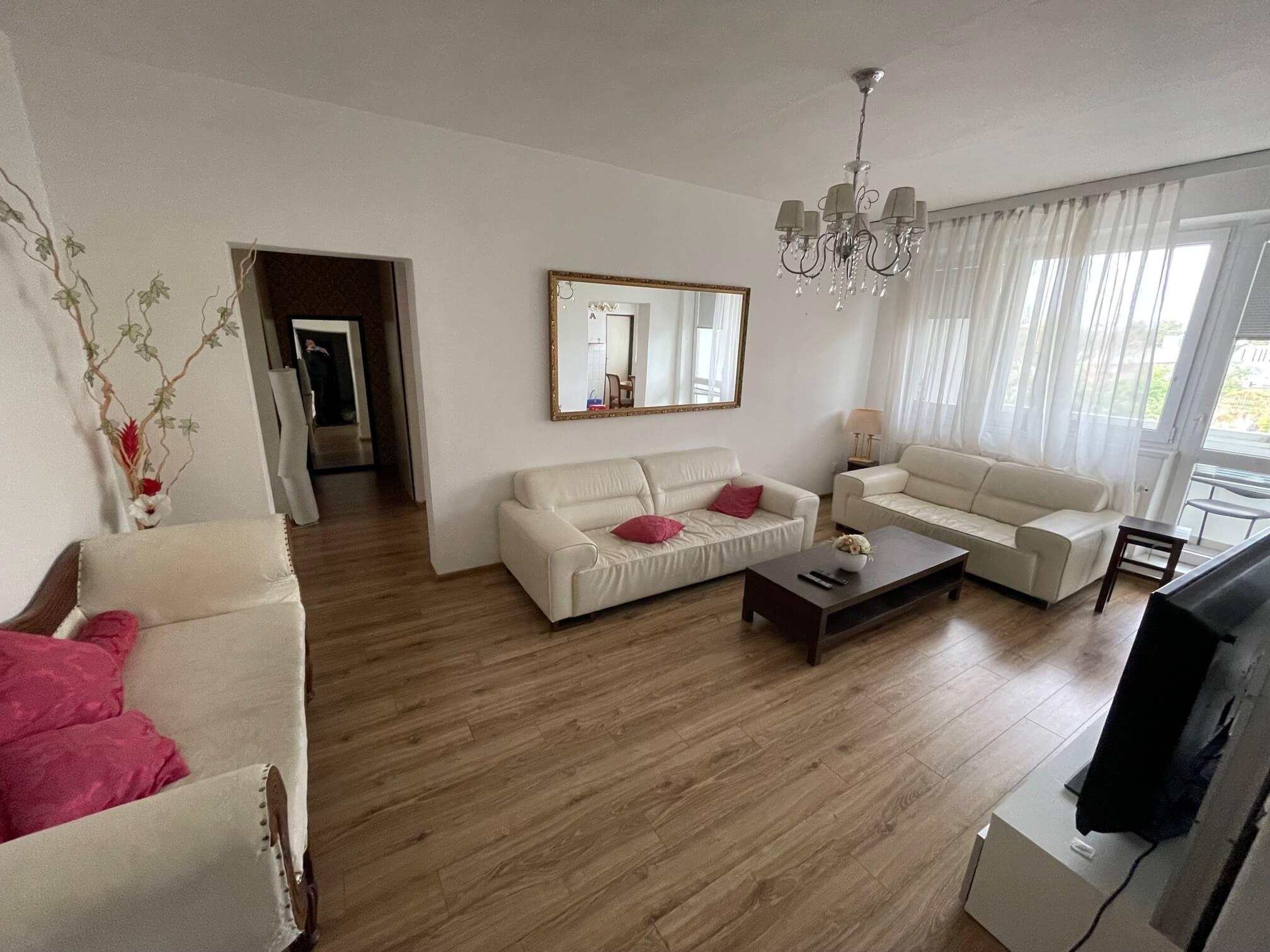 Exkluzívne na prenájom 3 izbový byt, 83m2, 2x loggia 4,5m2, Karolovka, Janotová 8-15