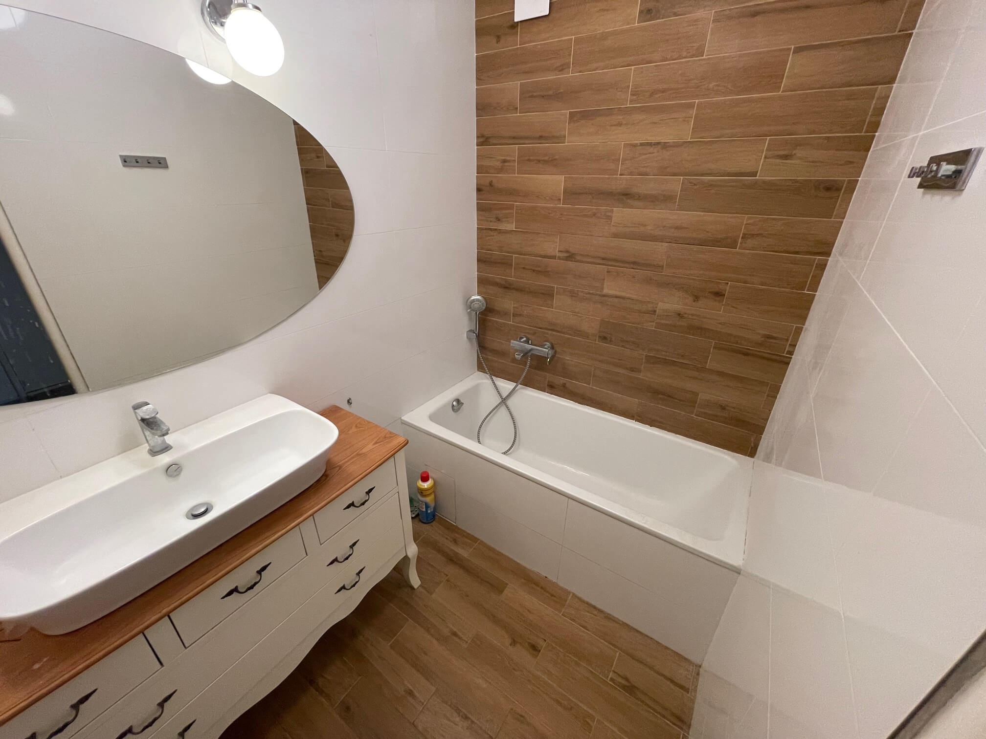 Exkluzívne na prenájom 3 izbový byt, 83m2, 2x loggia 4,5m2, Karolovka, Janotová 8-14