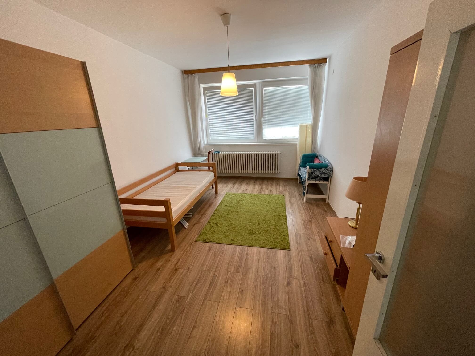 Exkluzívne na prenájom 3 izbový byt, 83m2, 2x loggia 4,5m2, Karolovka, Janotová 8-11